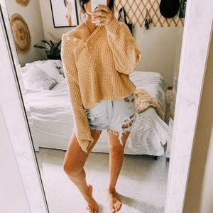 Vtg mustard yellow Henley oversized knit sweater